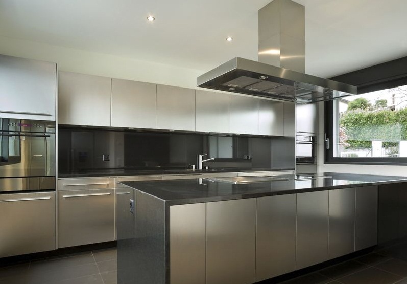 Superior Contemporary Stainless Steel Kitchen 2