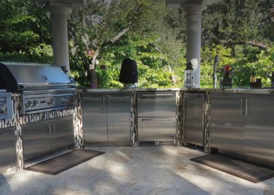 UShaped Outdoor Kitchen