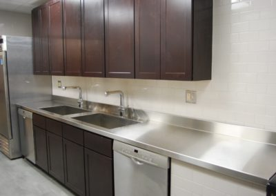 Stainless-Steel-Countertop-integrated-sink-1