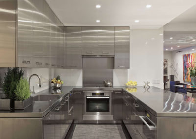 U shaped stainless kitchen and tops